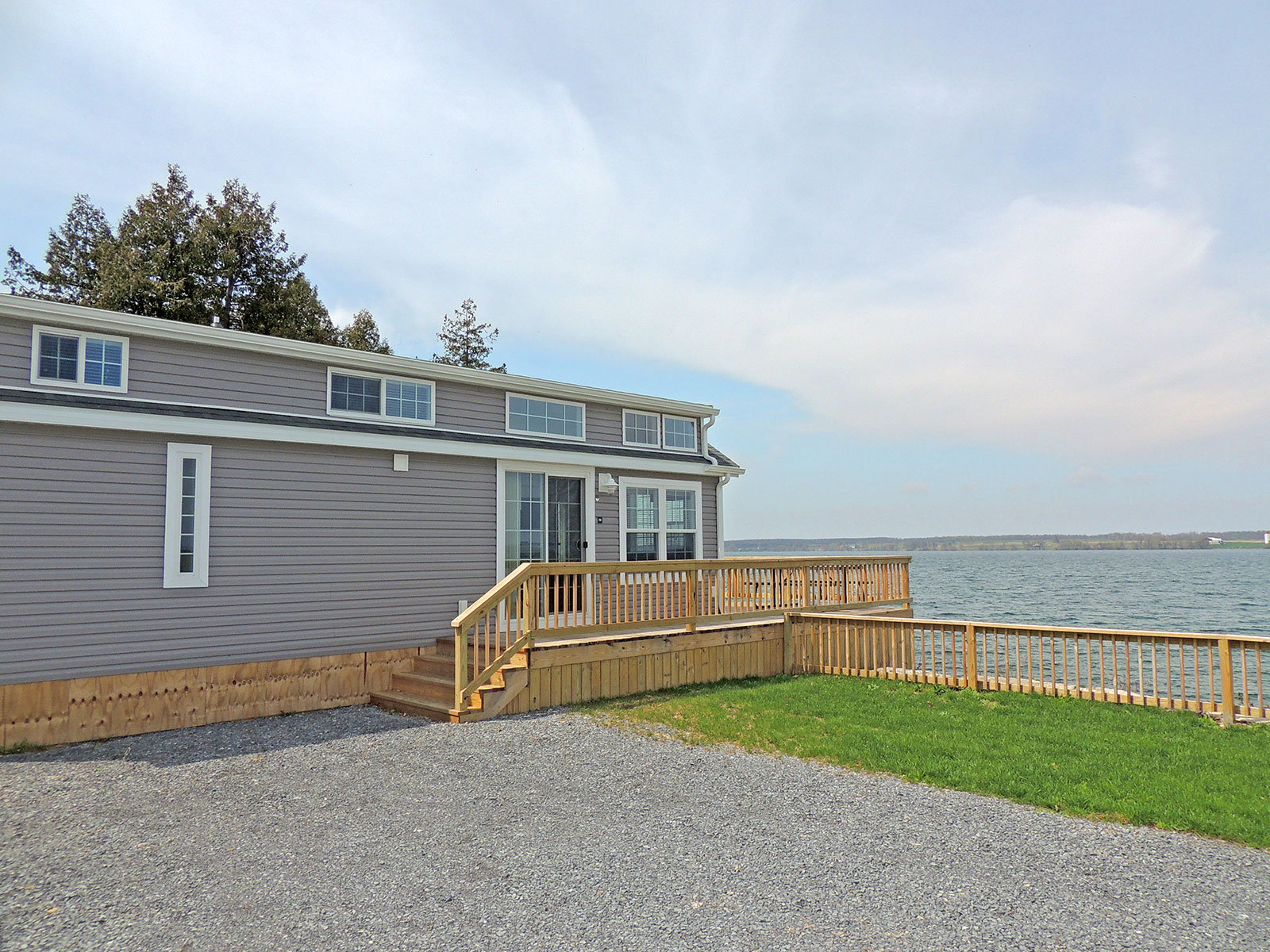 cottage30-exterior2017