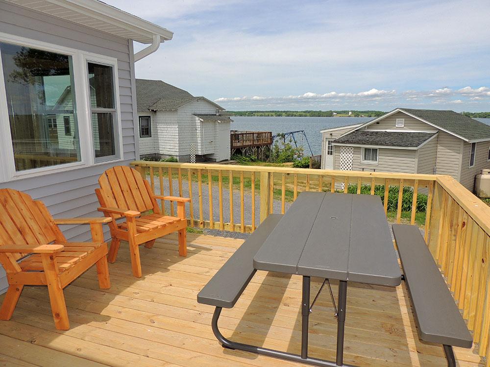 cottage27-deck